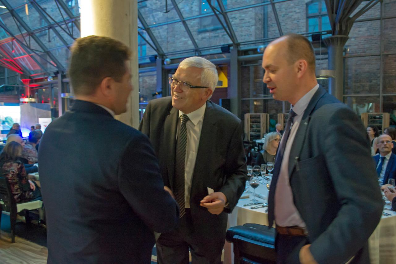 Dyrekcja ICM w rozmowie z burmistrzem Wielunia podczas Gali Symbol 2017